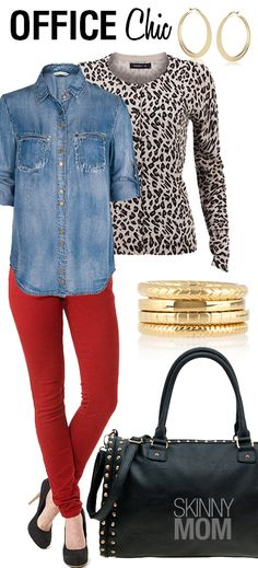 Love this look that Skinny Mom put together for your perfect Office Chic outfit! Colored jeans, chambray / denim button up shirt, animal print cardigan. Red Jeans Outfit, Red Pants, Sweater Outfits, Chic Office Outfit, Office Chic, Zapatillas Casual, Skinny Mom, Chic Outfits, Work Outfits