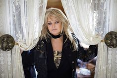 Bonnie Tyler - http://www.cambridgejones.com/ #bonnietyler #gaynorsullivan #gaynorhopkins #thequeenbonnietyler #therockingqueen #rockingqueen #cambridgejones #rock #music