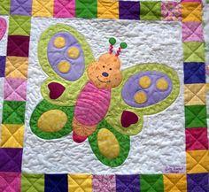 Jeg har knoklet mange aftener for at få tæppet færdigt til i lørdags, men jeg overskred deadline, så nu må den lille pige have det til gode....