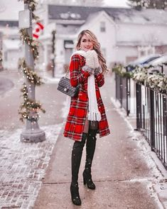 12 Chic and Affordable Winter Jackets I Found for 2019 – Nederland mode Winter Mode Outfits, Winter Fashion Outfits, Holiday Fashion, Chic Outfits, Autumn Winter Fashion, Winter Outfits, Winter Dresses, Fashion Dresses, Cute Christmas Outfits