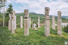 Valea Vinului Dome, o cazare inedită în Maramureș - Cherry on The World Romania, Glamping, Mount Rushmore, Cherry, Mountains, World, Nature, Travel, Viajes