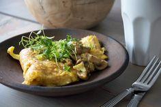 En enkel og virkelig lækker omelet med svampe og en god ost - perfekt til morgenmad, frokost eller aften - Få opskriften her