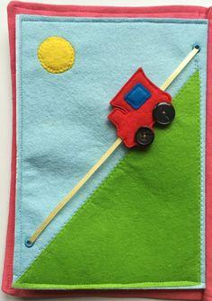 Artículos similares a libro - libro de actividades de fieltro tren - tren de juguete - niño sentía tranquilo libro - regalo personalizado - libro ocupado - actividad- en Etsy