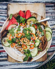 Kesäinen teriyaki-nuudelisalaatti (V, GF) – Viimeistä murua myöten Tofu, Cobb Salad, Good Food, Cooking Recipes, Inspiration, Biblical Inspiration, Chef Recipes, Healthy Food