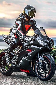 Ducati Motorbike, Cool Motorcycle Helmets, Motorcycle Suit, Yamaha R6, Yamaha Motorcycles, Moto Bike, Bmw Sport, Sport Wear, Cb 1000