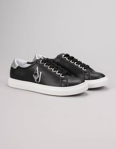 Armani Jeans' retro style Crystal Sneakers in black have chunky lace up fronts with silver eyelets, silver trims to the heels and silver glitter logo detail to the outside panel. Jeans Women, Men Online, Armani Jeans, Jean Outfits, Summer Collection, Retro Fashion, Black Jeans, Converse, Footwear
