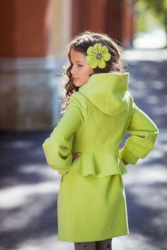 Пальто для девочки 7 лет (35 фото): модели, с чем носить