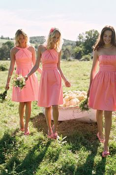 Vintage shade of coral pink wedding colour palette // bridesmaids // brides of adelaide magazine.