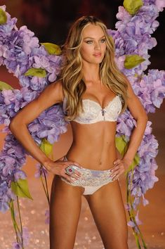 Candice Swanepoel Photos - The 2012 Victoria's Secret Fashion Show - Zimbio
