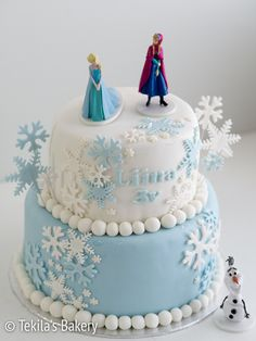 Frozen layer cake with figures. #tekilasbakery http://www.tekila.fi/luminen-frozen-kerroskakku/