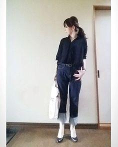 ワンウォッシュデニムの大きめサイズをダサーく深めにロールアップ‼  #今日の服 #シンプルコーデ #デニム #ワンウォッシュ #lepsim #黒ヒール #instagood