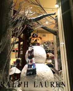 """Ralph lauren, prince street, new york, """"frosty the snowman stay frosty"""", pinned by ton van der veer Shop Interior Design, Retail Design, Store Design, Frosty The Snowmen, Snowman, Online Shopping Fails, Toronto Photography, New York Christmas, Diabetic Dog"""