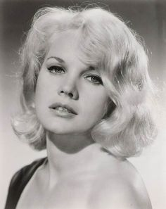 Carroll Baker (born May American actress of film, stage, and television. Hollywood Glamour, Golden Age Of Hollywood, Vintage Hollywood, Hollywood Stars, Hollywood Actresses, Classic Hollywood, Actors & Actresses, Carroll Baker, Classic Actresses