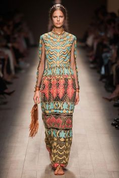 Valentino, Paris, Spring 2014 Love the colors and the purse!