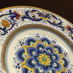 Ceramiche Sambuco Mario - Classic ... We make Classic & Contemporary ceramics... small and very large items... tableware and decorative products... www.sambuco.it