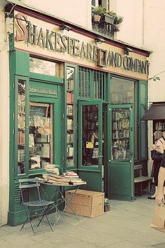 Shakespeare and Company - BEST SPOT in Paris for writers!