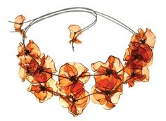 Flower Necklace - Gulnur Ozdaglar: Upcycled PET bottles