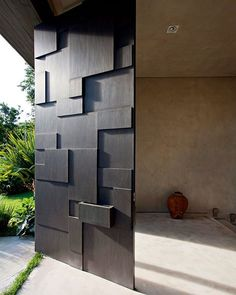 Checkout these modern front door ideas for your home. Thirty unbelievable front door ideas for your modern home. Feed your design ideas now. Main Door Design, Front Door Design, Gate Design, House Design, Modern Door Design, Unique Front Doors, Modern Front Door, Front Entry, Modern Entrance