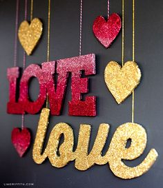 Make these gold and ombre signs with Martha Stewart Crafts Glitter to spice up your Valentine's Day decor! #marthastewartcrafts #12monthsofmartha