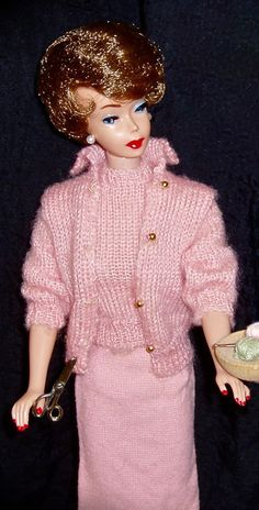 """Rare Brownette Bubble Cut Barbie in Pink variation """"Knitting Pretty"""""""