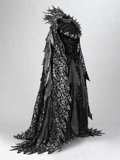 """""""Fairy Queen"""" costume from the 1977 D'Oyly Carte Opera Company production of Iolanthe by Gilbert and Sullivan. Costume designed by Bruno Santini. Costume Original, Moda Medieval, Character Inspiration, Character Design, Design Inspiration, Fashion Inspiration, Creative Inspiration, Fantasy Gowns, Fantasy Queen"""