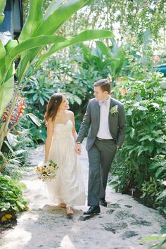 Newlyweds amongst the gardens   Shea Christine Photography