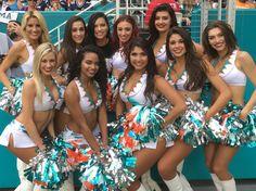 Adriana Lima with the cheerleaders - Miami Dolphins Randomness