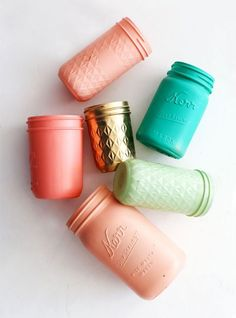 Paint mason jars | Ideas and DIY for Wedding Centrepieces and decor elements. | Wedding Decor