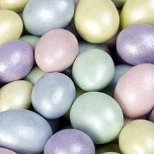 Sparkle Candy-Coated Almonds from @candydotcom THese are just beautiful...would look so pretty in a lovely bowl on my coffee table!
