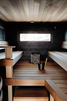 Kakkoskodista tuli ykköskoti - Kannustalo Home Spa Room, Spa Rooms, Sauna Steam Room, Sauna Room, Sauna Design, Cabin Design, Scandinavian Saunas, Modern Saunas, Building A Sauna