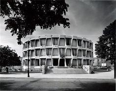 John M Johansen Michael Scott - US Embassy - 42 Elgin Road - Dublin Amazing Architecture, Art And Architecture, Old Pictures, Old Photos, Metropolis Magazine, Retro Vintage, Photo Engraving, Vintage Interiors, Brutalist