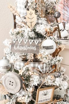 A Farmhouse Style Christmas Tree | Simply Beautiful By Angela Red And Gold Christmas Tree, Flocked Christmas Trees, Ribbon On Christmas Tree, Woodland Christmas, Beautiful Christmas Trees, Christmas Tree Themes, Holiday Themes, Rustic Christmas, Christmas Ideas