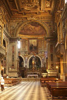Inside of the Basilica della Santissima Annunziata Firenze 12