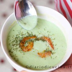 Ricetta zuppa di cetrioli e gamberetti piccanti. Pronta in 30 minuti e senza quasi neanche accendere i fornelli. Ipocalorica e fresca. Insomma... una zuppa