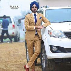 Mens Fashion Blazer, Big Men Fashion, Suit Fashion, Gents Coat, Marriage Suits, Punjabi Men, Kurta Men, Men Dress Up, Formal Dresses For Men