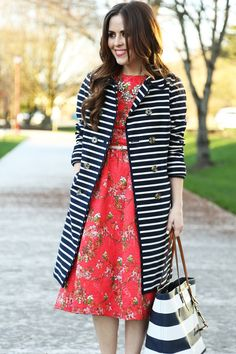 Striped trench and tote bag with a floral dress. #printmix #outfit #inspiration