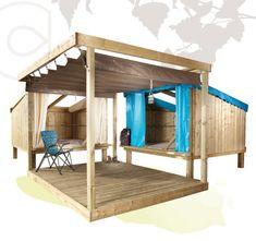 Une autre déclinaison de notre gamme ESPACE DU LYSPensez à équiper vos emplacements nus avec cette IDÉE DE CONCEPT Modèle présenté :DUO de CopCamp'Terrasse Cailbolys en 3,00 x 3,00 mTonnelle 3,00 x 3,00 m avec toit rétractable. DescriptifStructure bois et toile comprenant :• Espace couchage sur toile, confortable, en toute sécurité pour 2 ou 3 …