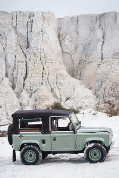 Vintage Grasmere Green Land Rover D90