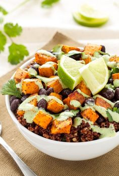 "Sweet Potato and Black Bean Quinoa Bowls - Spoonful of Flavor~~For 'beginning' vegetarians; FYI-Quinoa is a seed that is a complete protein. You can ""do"" almost anything with Quinoa-from b'fast to dinner. Veggie Recipes, Whole Food Recipes, Vegetarian Recipes, Dinner Recipes, Cooking Recipes, Healthy Recipes, Batch Cooking, Delicious Recipes, Healthy Foods"
