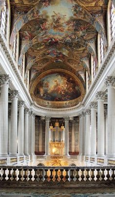 A Peak Inside the Palace of Versailles - Feather and the Wind Chateau Versailles, Palace Of Versailles, Baroque Architecture, Beautiful Architecture, Renaissance Architecture, Peterhof Palace, Day Trip From Paris, Aesthetic Backgrounds, Aesthetic Wallpapers
