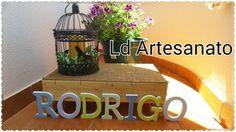 nome de madeira forrado a tecido para quarto do Rodrigo