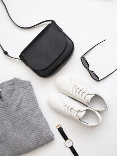 Accessoires | Bag | Sunglasses | Shoes | Watch | Knit | Flatlay | More on Fashionchick.nl