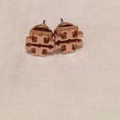 Tory Burch rose gold small stud earrings Perfect size perfect color! Tory Burch Jewelry Earrings