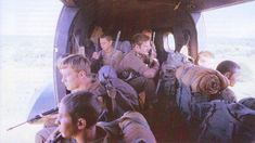 Army Pics, Parachute Regiment, Army Day, Paratrooper, Photo Essay, My Land, African History, Military Art, Vietnam War