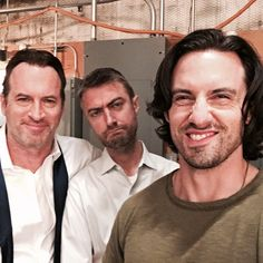 'You'll see us in the future' Milo Ventimiglia teased the upcoming Gilmore Girls Netflix revival on Monday as he shared a snap from behind-the-scenes with onscreen father figure Scott Patterson (Luke) and Sean Gunn (Kirk) Gilmore Girls Set, Jess Gilmore, Gilmore Girls Netflix, Gilmore Girls Quotes, Rory And Jess, Thats 70 Show, Scott Patterson, Team Logan, Glimore Girls