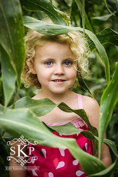 corn fields make the best backdrop! - Kelly Summers Photography  www.kellysummersphotography.com