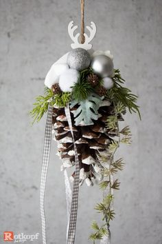 Your marketplace to buy and sell handmade items. Decoration Christmas, Christmas Wreaths, Christmas Ornaments, Holiday Decor, Crafts To Sell, Diy Crafts, Deco Studio, Winter Coffee, Selling Handmade Items