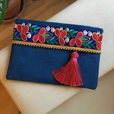 Ocean blue handbag boho bag bohemian clutch by BOHOCHICBYDAMLA – cardoso – Join in the world of pin Jute Fabric, Blue Handbags, Ladies Handbags, Women's Handbags, Lazy Daisy Stitch, Bags Online Shopping, Beaded Trim, Vintage Embroidery, Embroidery Ideas