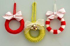 """Credit: Katie Brown [http://www.smilelikeyoumeanit.net/2011/11/ornament-1-mini-wreath-tutorial.html]"""
