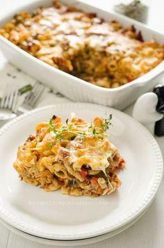 Mirabelkowy blog: Zapiekanka makaronowa z tuńczykiem i pieczarkami Fried Rice, Lasagna, Casserole, Macaroni And Cheese, Fries, Food And Drink, Ethnic Recipes, Pierogi, Blog